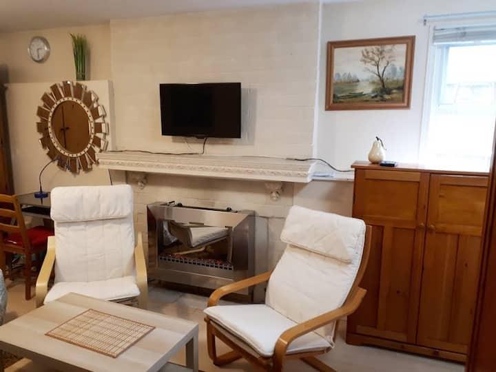 Studio suite in Lower Lonsdale