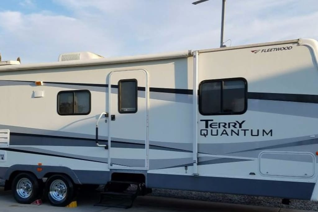 Yuma relax in the sun trailer campers rvs for rent in for 1 bedroom rv