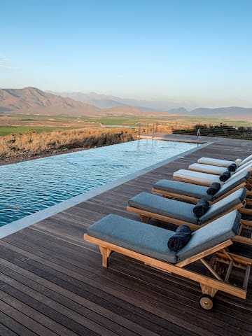 Khanyisa Mountain Lodge, Private retreat with view