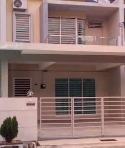 Pearl Indah Home Stay, Simpang Ampat - Simpang Ampat - Casa