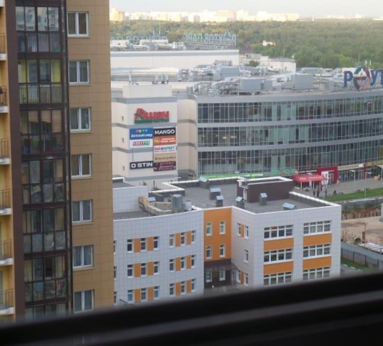 Вид из окна на столицу