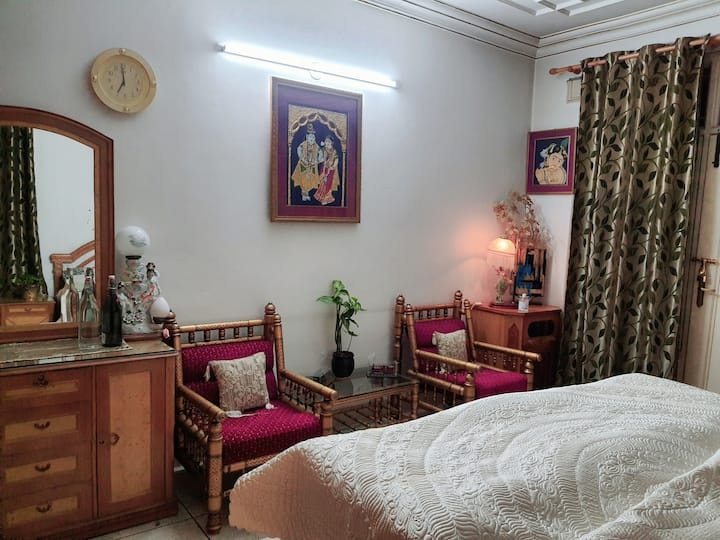Cozy rooms with Good Ambience