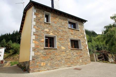 Casa Aniceto IV - Taramundi - Hus