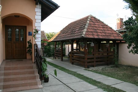 Apartments Vrata Baranje *** - Bed & Breakfast