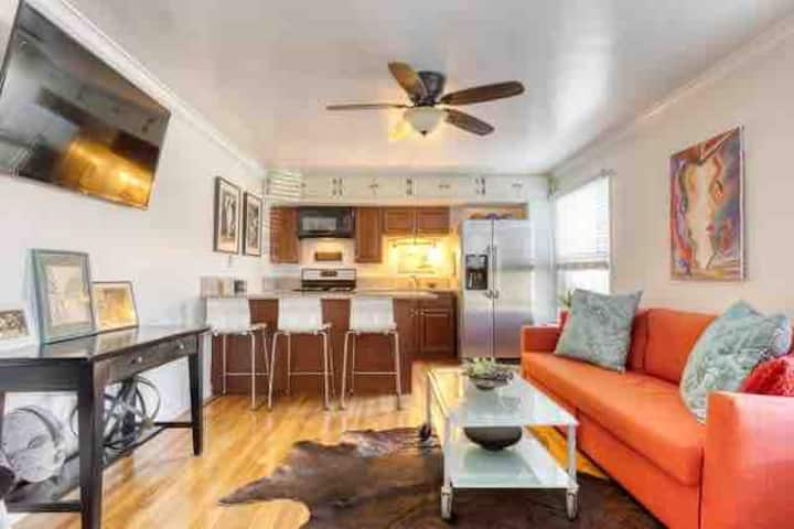 Belmont Shore Beach Bungalow, Long Term available