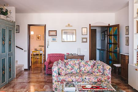 Your home away from home, in Italy - Casa Collina