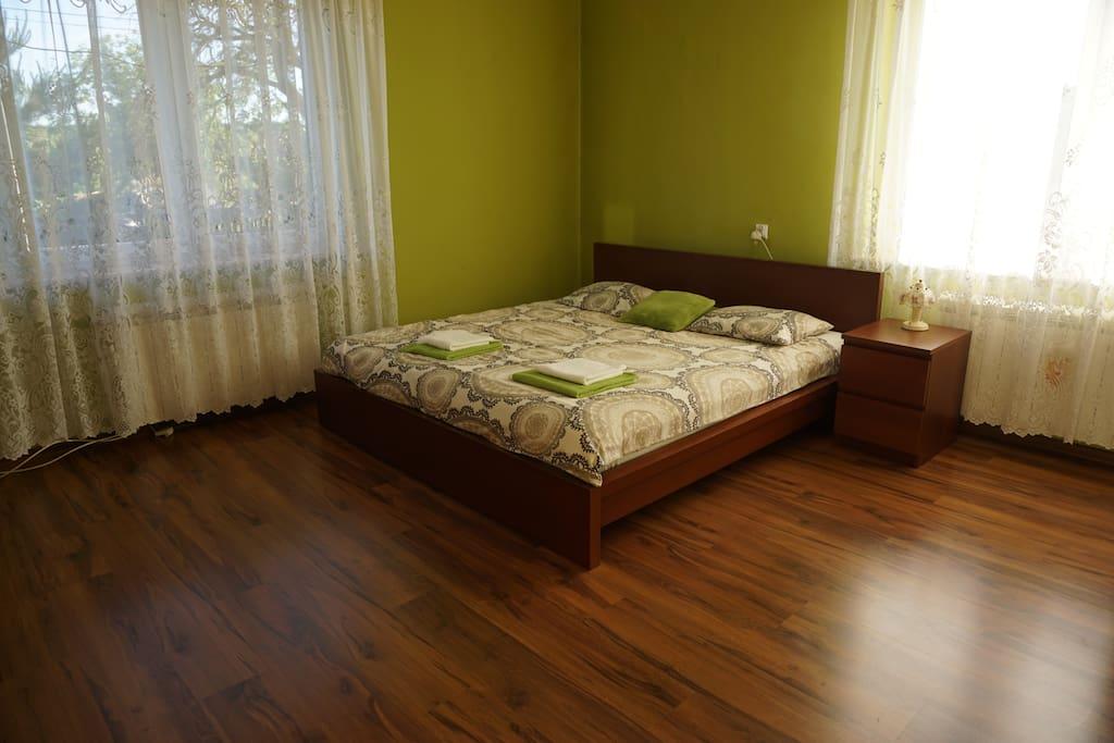 łóżko typu king size
