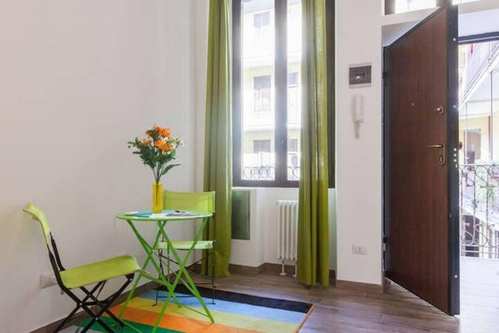 BRAND NEW APARTMENT IN GARIBALDI! - Milaan - Appartement