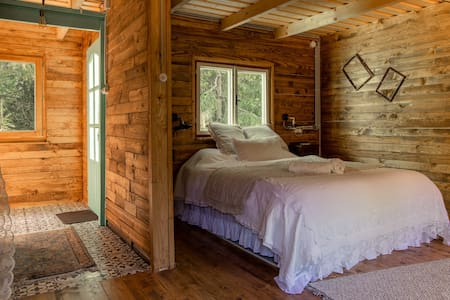 Magical boutique cabin for 2 in Danube Bend