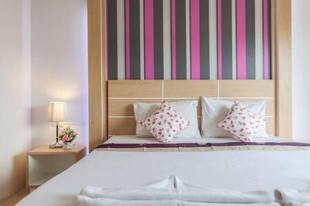 The Greenery Hotel, King bed 2 - Tambon Pak Nam - Huoneisto