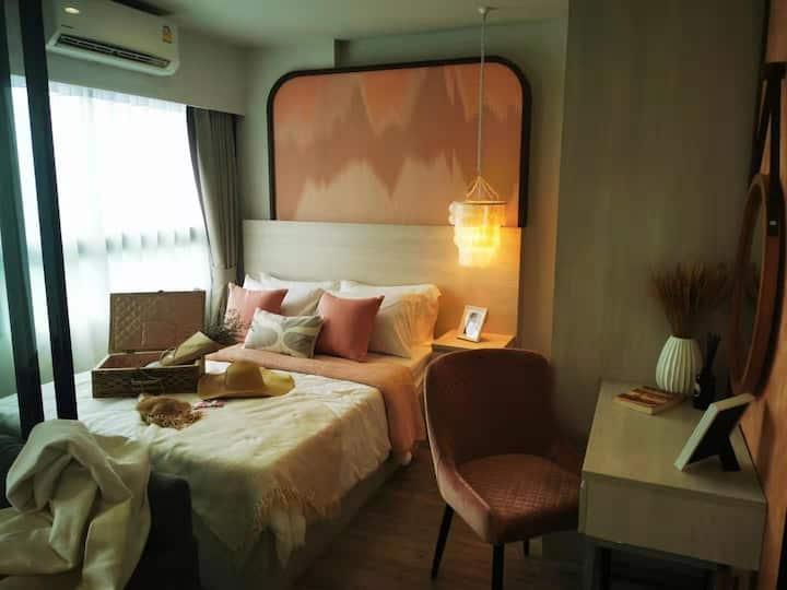 月租15000株dusitd2 Seaside Convenience Apartment大床公寓