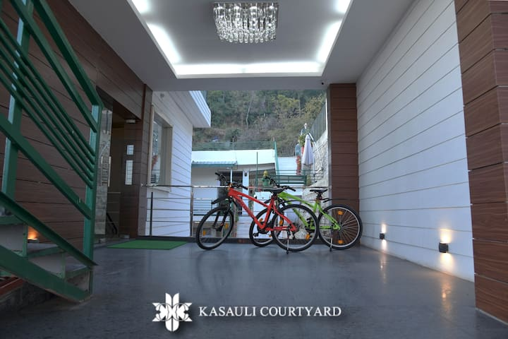 We provide mountain bikes the adventure seekers and nature enthusiasts. Ditch your cars for a day and ride along the Kasauli mountain trails in these bikes to make your holiday memorable.