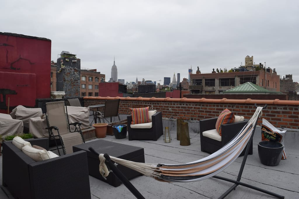 Views of the Manhattan skyline including the empire state building, chrysler building and Union square clock tower.