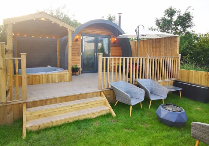 Accessible Glamping Cabin with Private Hot Tub