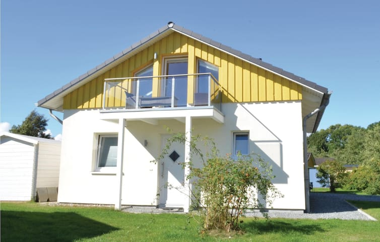 Holiday cottage with 2 bedrooms on 90m² in Süssau/Ostsee