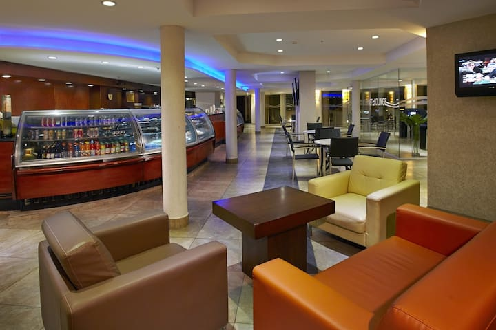 Divi Aruba Phoenix Beach Resort (villas) - Oranjestad-West - Kondominium