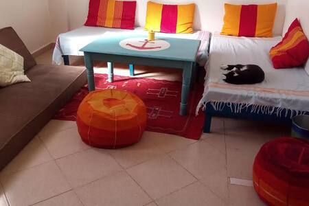 wifi and breakfast, colorful and sunny room - Agadir