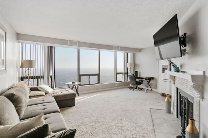 In the heart of downtown Windsor Penthouse Suite