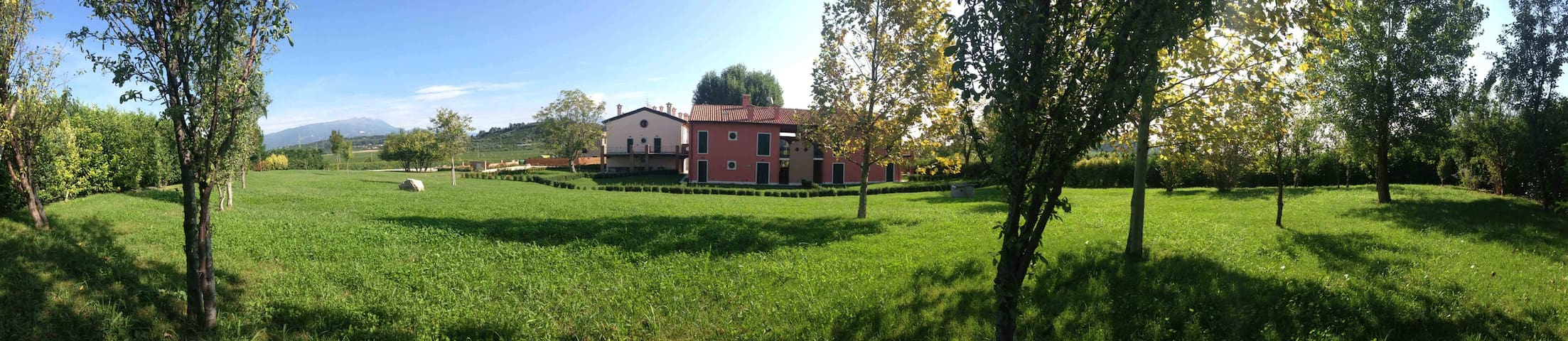 """GREEN""_Your full Confort Apartment""_lago di Garda"