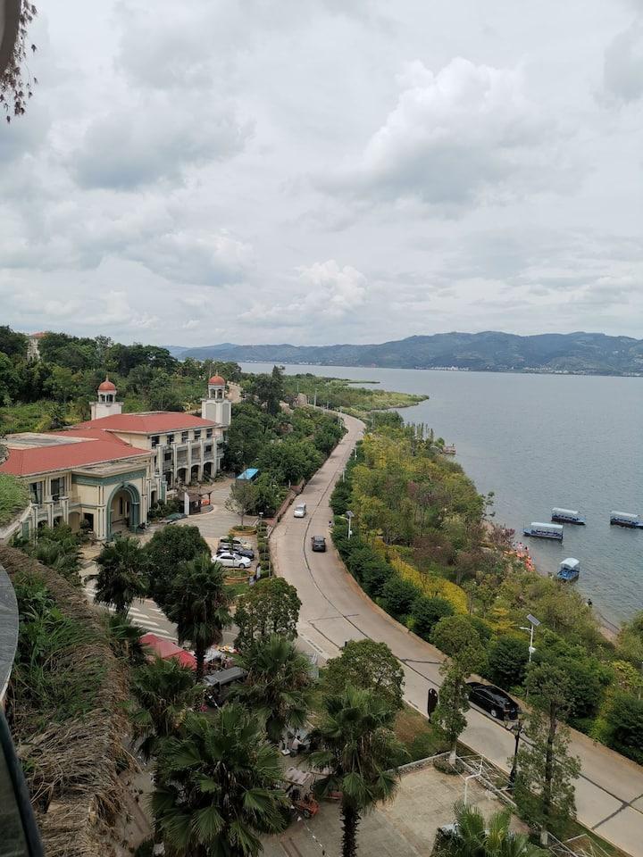 抚仙湖西岸九龙晟景海景精品酒店