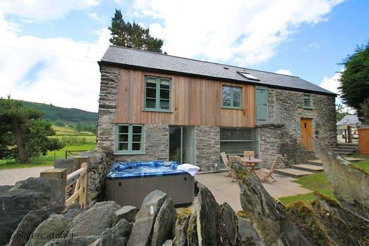 Shepherd's Cottage (sleeps 4)