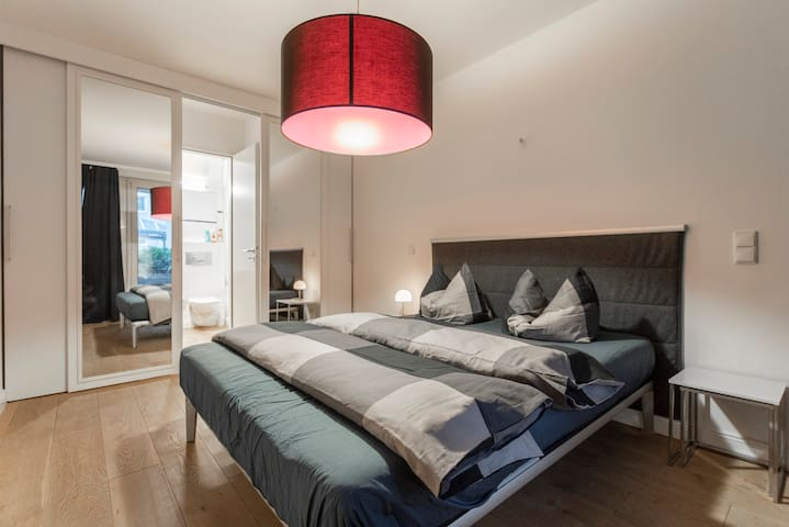 Super Central Luxury Apartment @ the ❤ of the City