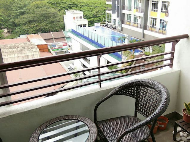 Ipoh Majestic B10  (Poolview, 2 Rooms & 2 Parking)