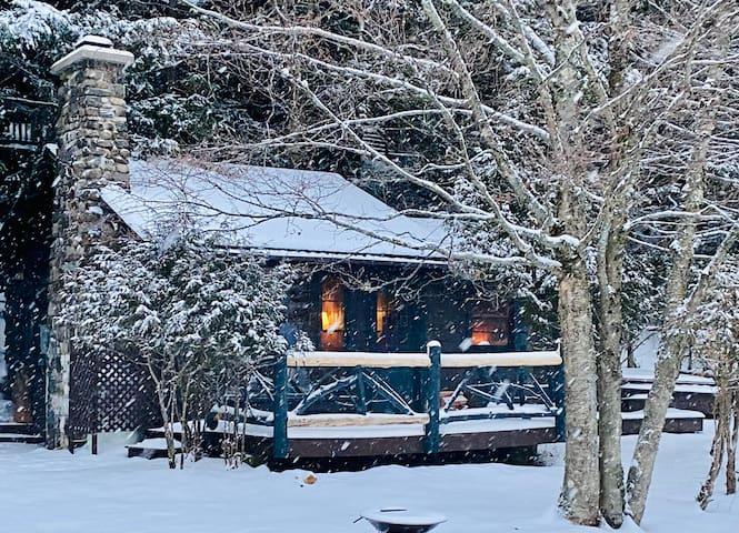 Lakefront Cottage, Lake Flower, Saranac Lake, NY