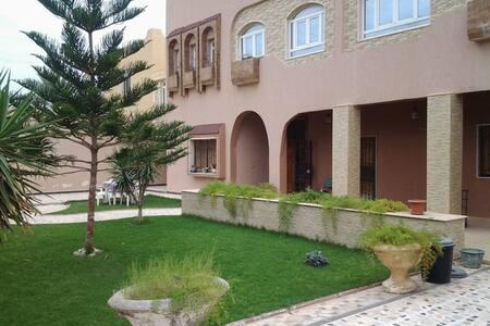شقة مفروشة ضمن فيلا من دورين