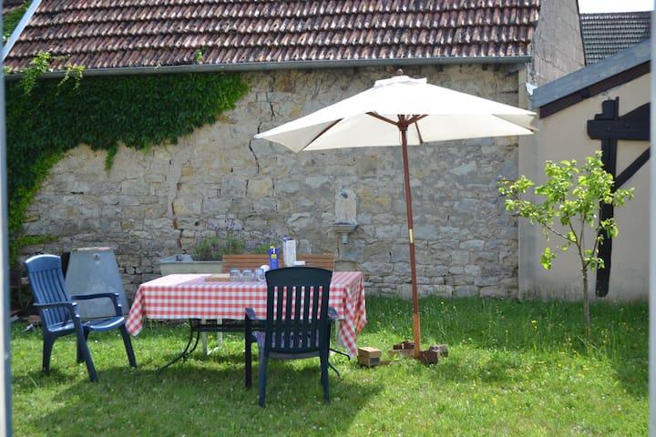 Chez la Tante Anna - Burgundy - Bourgogne - Heuilley-sur-Saône