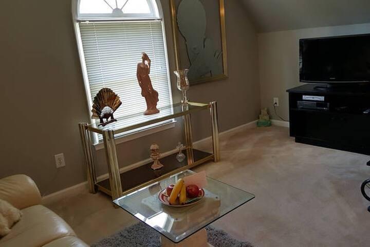 Sitting area in Relaxing bedroom suite