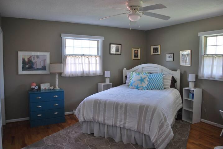 Primary Bedroom (First Floor)