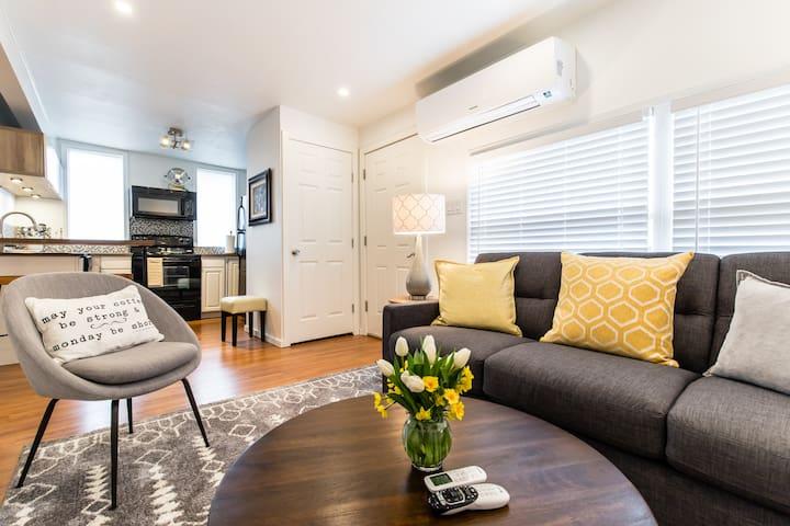 Modern beautiful, cozy studio apartment!!!!