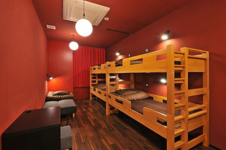 JR NAMBA STA. 3min WALK! 5ppl PRIVATE ROOM/5B