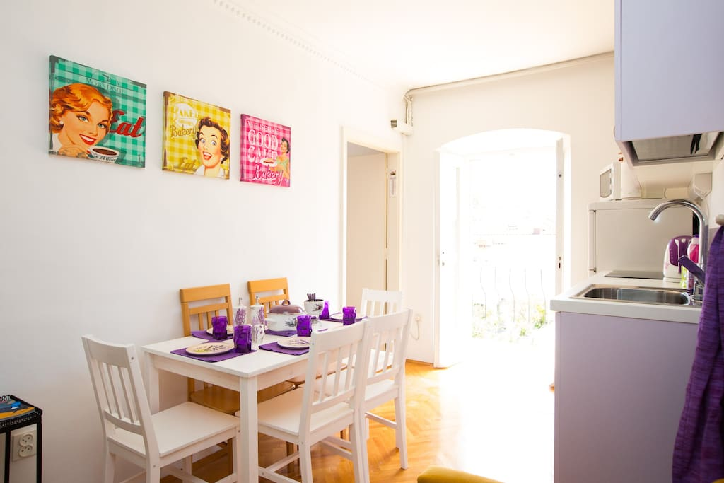 Dining room is shared with guests from other 3 rooms. Fun place to meet