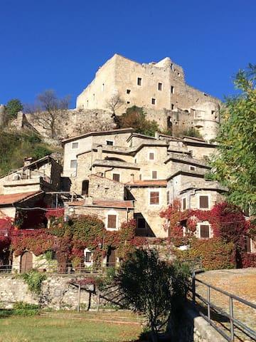 Appartamento Cà dé Maria - Castelvecchio di Rocca Barbena - Leilighet