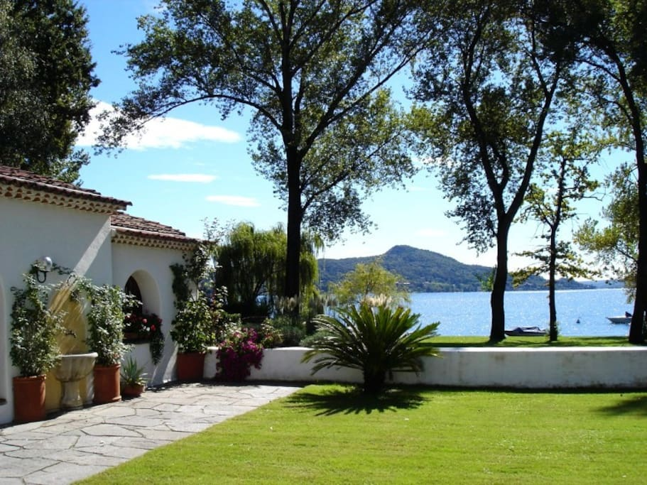 Lakefront holiday house at Lake Maggiore - Casa Eva NORTHITALY VILLAS