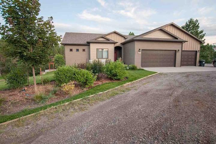 Comfortable home near Sturgis, SD