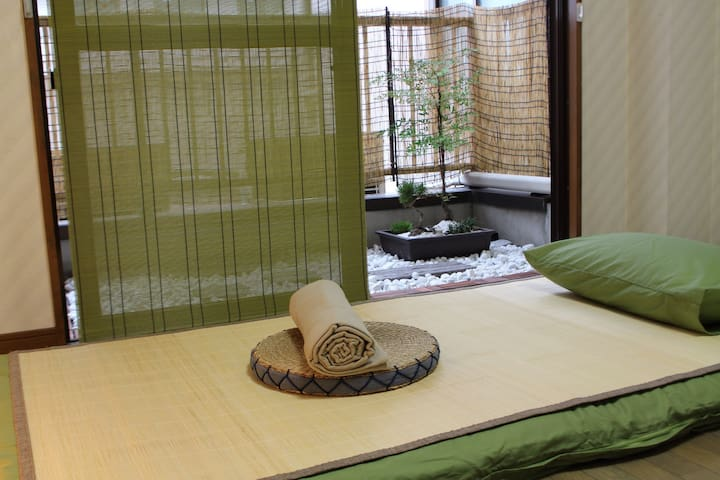 Japanese style room for 2or3 people - 大阪市 - Casa
