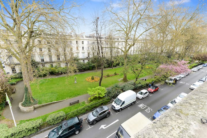 Two bedroom apartment on a beautiful Garden Square - Londres - Apartamento