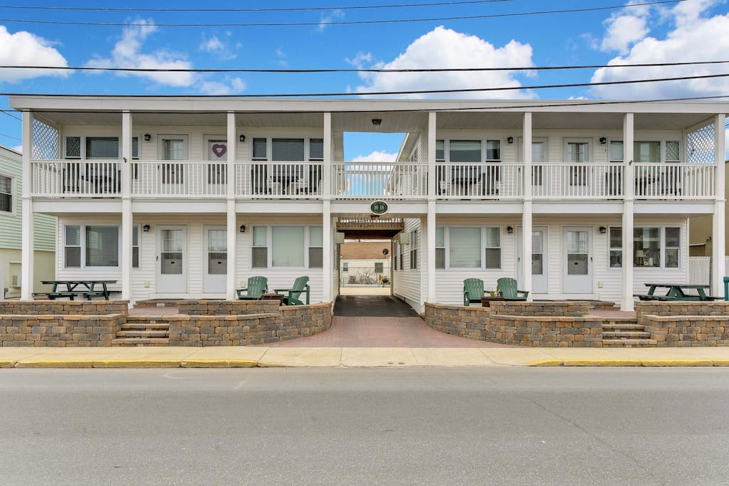 New Clean Furnished With Fabulous Inlet Views6