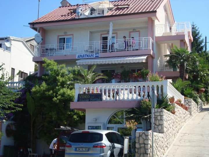 Studio apartment A1 with nice view for 3 persons