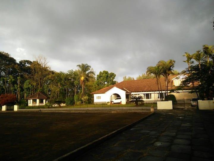 Villa Bynekere
