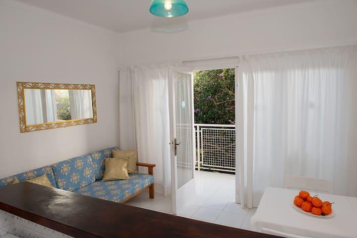 Apartamento cerca de la playa con piscina