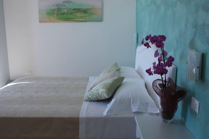 Bedroom Emerald
