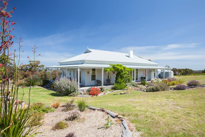 Corringle Beach Retreat-The Homestead