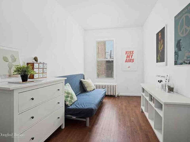 Affordable bedroom in Brooklyn townhouse.