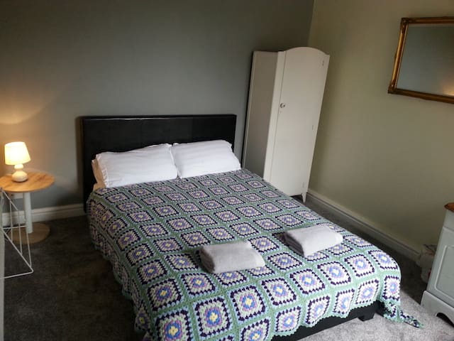 Comfortable Whalley Range Guest House.
