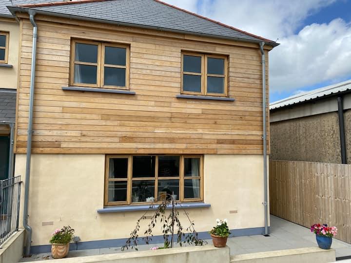 Cosy house on the edge a Dartmoor village