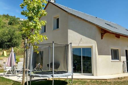 Maison récente avec jardin - Le Monastier-Pin-Moriès